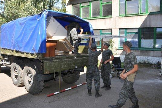 В Мариуполе военнослужащие Национальной гвардии Украины помогли благоустроить городской Центр внешкольной работы (ФОТО), фото-1