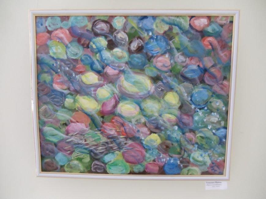 Выставка ильичёвской художницы открылась в музее имени Белого, фото-1