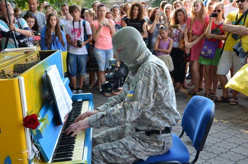 В Мариуполе концерт Piano Extremistа собрал сотни зрителей (ФОТОРЕПОРТАЖ+ВИДЕО), фото-20