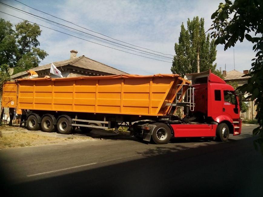 В Мариуполе беженцы получили 50 тонн картофеля от жителей Черкасской и Сумской областей (ФОТО), фото-1