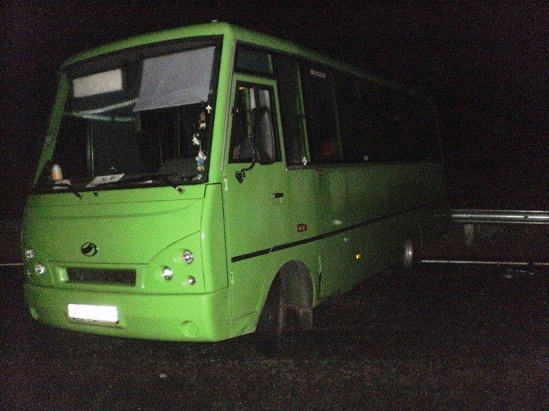 На Киевщине столкнулись автобус и автомобиль. Один человек погиб (ФОТО), фото-2