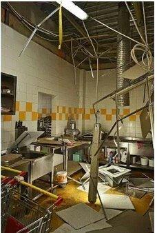 В Ясиноватой боевики разграбили супермаркет «Амстор» (ФОТО), фото-2