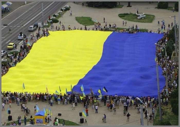 Фотопятница: «Сине-желтый Мариуполь» (ФОТО), фото-16