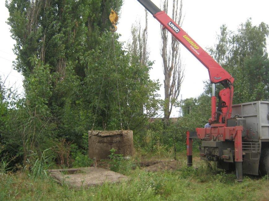 На Кировоградщине корову из ямы доставали с помощью крана (фото), фото-1