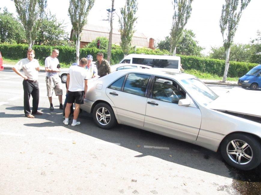 ДТП в Кривом Роге: водитель «Газели» протаранил иномарку (ФОТО), фото-5