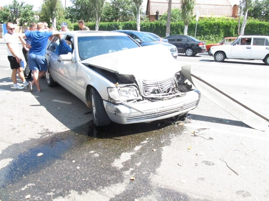 ДТП в Кривом Роге: водитель «Газели» протаранил иномарку (ФОТО), фото-2