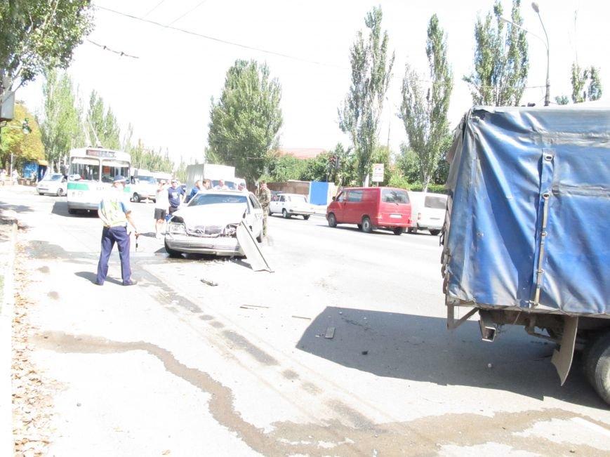 ДТП в Кривом Роге: водитель «Газели» протаранил иномарку (ФОТО), фото-3