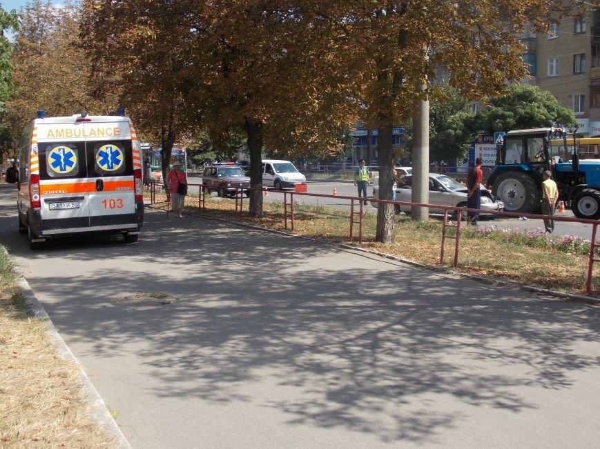 В Кировограде сильно столкнулись трактор и автомобиль (фото), фото-5