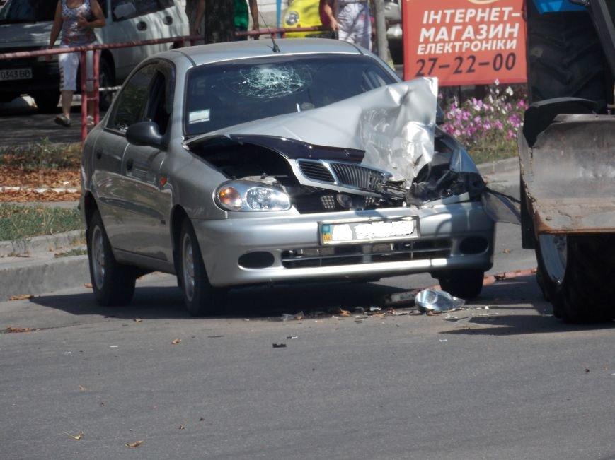 В Кировограде сильно столкнулись трактор и автомобиль (фото), фото-7