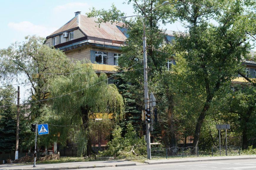В Донецке целый день слышны залпы и взрывы - трое мирных жителей получили осколочные ранения (ФОТОРЕПОРТАЖ), фото-2