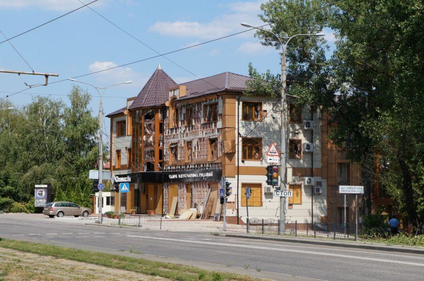 В Донецке целый день слышны залпы и взрывы - трое мирных жителей получили осколочные ранения (ФОТОРЕПОРТАЖ), фото-7