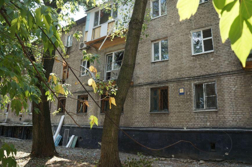 В Донецке целый день слышны залпы и взрывы - трое мирных жителей получили осколочные ранения (ФОТОРЕПОРТАЖ), фото-10