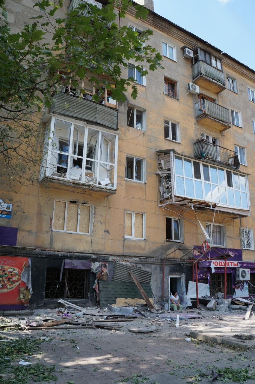 В Донецке целый день слышны залпы и взрывы - трое мирных жителей получили осколочные ранения (ФОТОРЕПОРТАЖ), фото-3