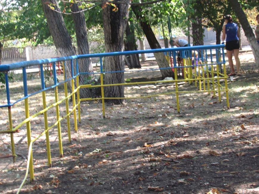В Приморском парке Мариуполя беженцы устроили субботник (ФОТО), фото-10