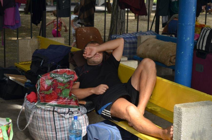 Митрополит Симферопольский и Крымский Лазарь проведал беженцев из Украины (ФОТО), фото-2