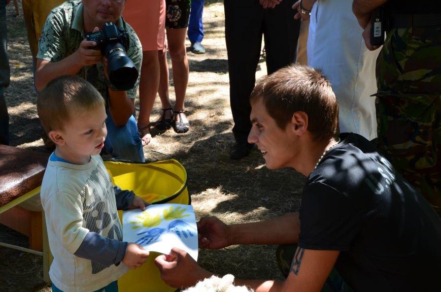 В Мариуполе Юрий Хотлубей и батальон «Днепр-1» навестили маленьких беженцев из Донецка (ФОТО), фото-9