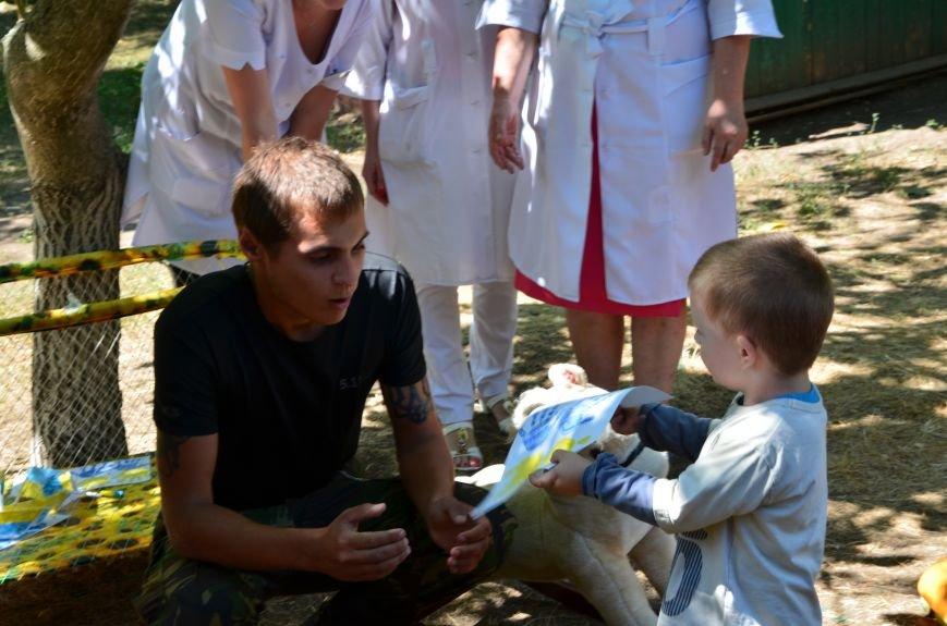 В Мариуполе Юрий Хотлубей и батальон «Днепр-1» навестили маленьких беженцев из Донецка (ФОТО), фото-8