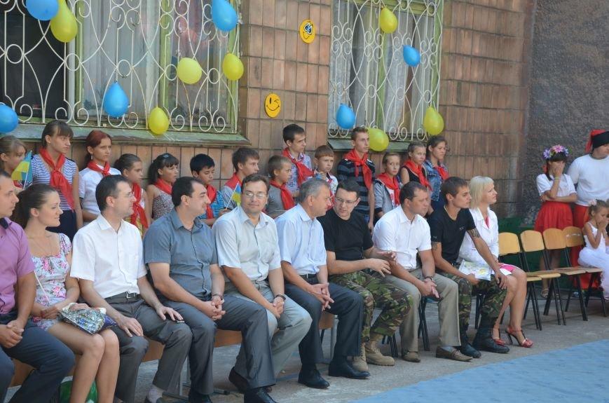 В Мариуполе Юрий Хотлубей и батальон «Днепр-1» навестили маленьких беженцев из Донецка (ФОТО), фото-29