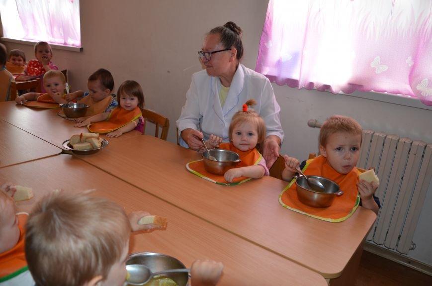 В Мариуполе Юрий Хотлубей и батальон «Днепр-1» навестили маленьких беженцев из Донецка (ФОТО), фото-25