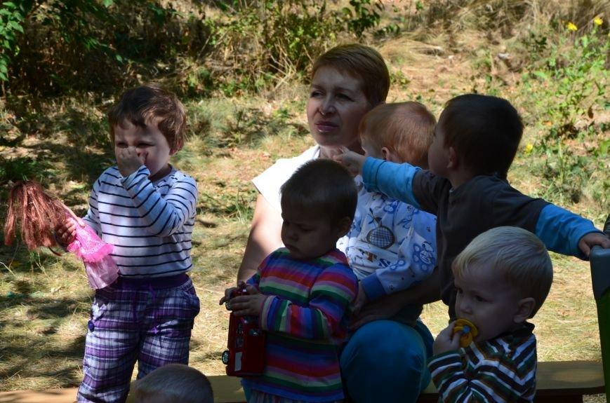 В Мариуполе Юрий Хотлубей и батальон «Днепр-1» навестили маленьких беженцев из Донецка (ФОТО), фото-6