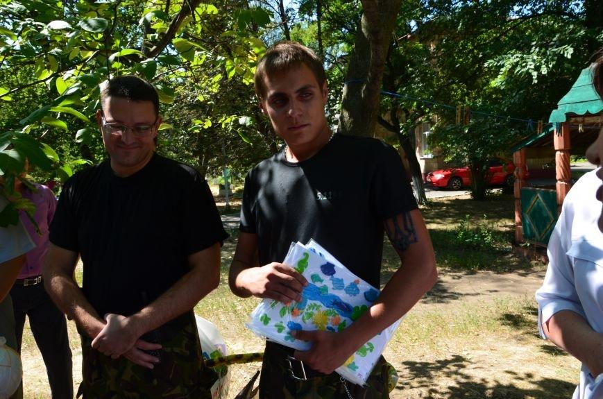 В Мариуполе Юрий Хотлубей и батальон «Днепр-1» навестили маленьких беженцев из Донецка (ФОТО), фото-16