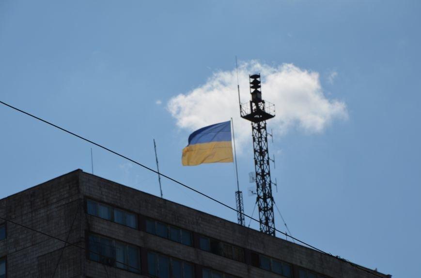 В Мариуполе тысячи флагов раздали за 5 минут? (ФОТО), фото-7