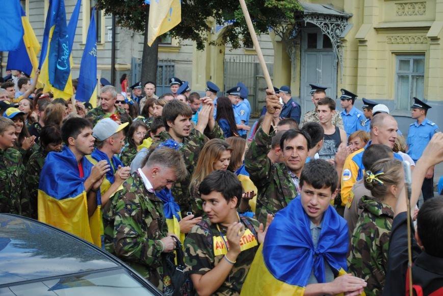 В Харькове евромайдановцы организовали батальон «Антигепин», подрались с милицией и развесили флаги над Сумской, фото-13
