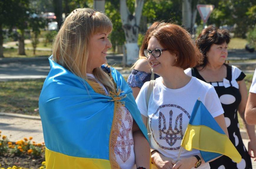 Мариупольцы на митинге в честь Дня Независимости написали письмо Петру Порошенко (ФОТОРЕПОРТАЖ), фото-17
