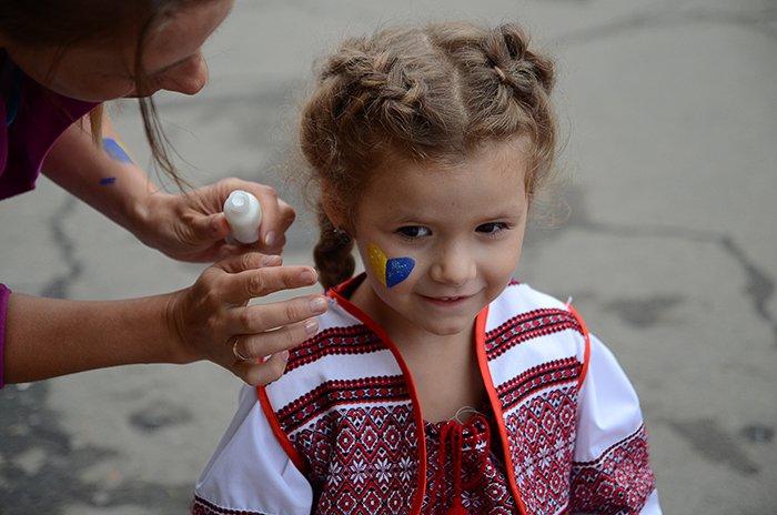 Ко Дню Независимости Николаев оделся во флаги, горожане - в вышиванки (ФОТОРЕПОРТАЖ), фото-3