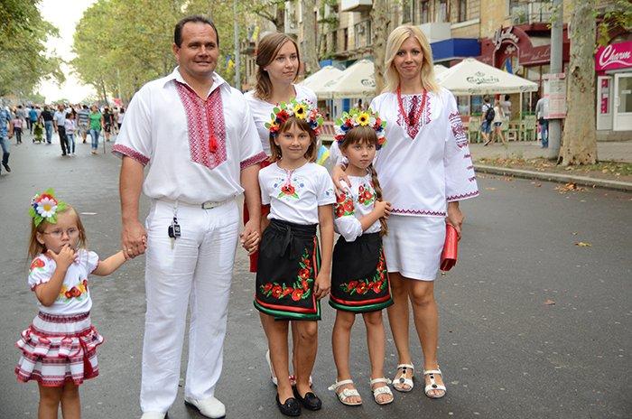 Ко Дню Независимости Николаев оделся во флаги, горожане - в вышиванки (ФОТОРЕПОРТАЖ), фото-7