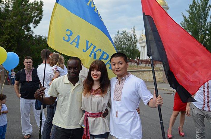 Ко Дню Независимости Николаев оделся во флаги, горожане - в вышиванки (ФОТОРЕПОРТАЖ), фото-14