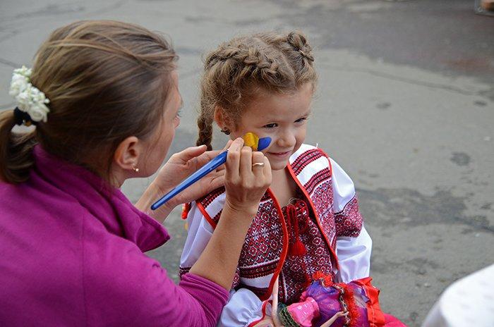 Ко Дню Независимости Николаев оделся во флаги, горожане - в вышиванки (ФОТОРЕПОРТАЖ), фото-1