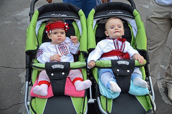 Ко Дню Независимости Николаев оделся во флаги, горожане - в вышиванки (ФОТОРЕПОРТАЖ), фото-15