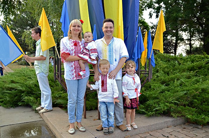 Ко Дню Независимости Николаев оделся во флаги, горожане - в вышиванки (ФОТОРЕПОРТАЖ), фото-9