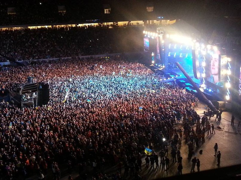 7ef106754364ae33555aa1b67c30e522 40 тыс. украинцев исполнили гимн на концерте  во Львове (видео)