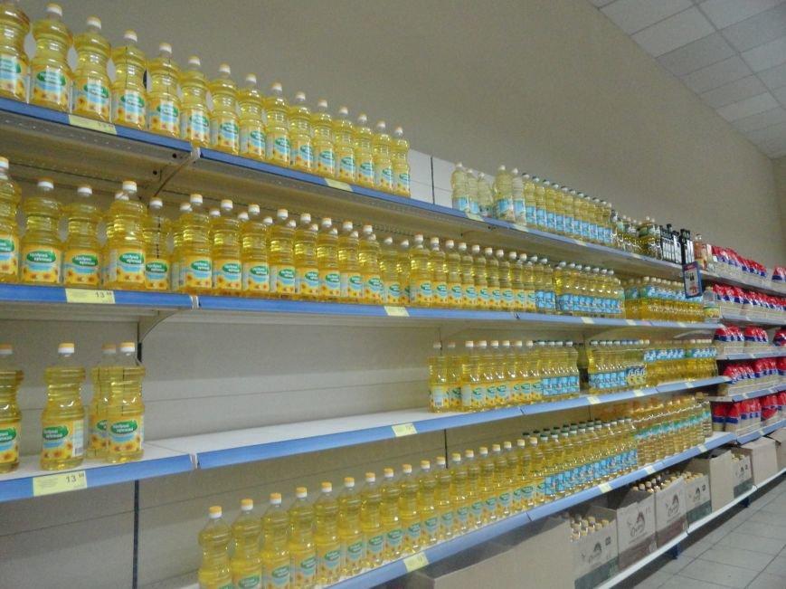 В Мариуполе закрылись магазины, торгующие одеждой и золотом. Продуктов хватает (ФОТО), фото-2