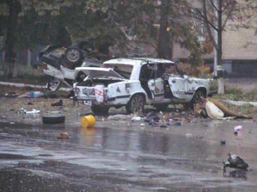 На Сумщине в Шостке обстреляли военкомат и подорвали 2 милицейские машины (ФОТО+ВИДЕО), фото-9