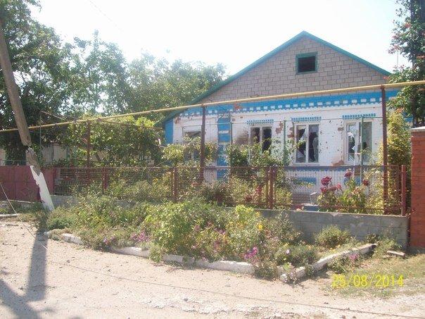 В Новоазовске ночь и утро прошли спокойно, но сейчас обстреливают окраины (Дополнено), фото-1
