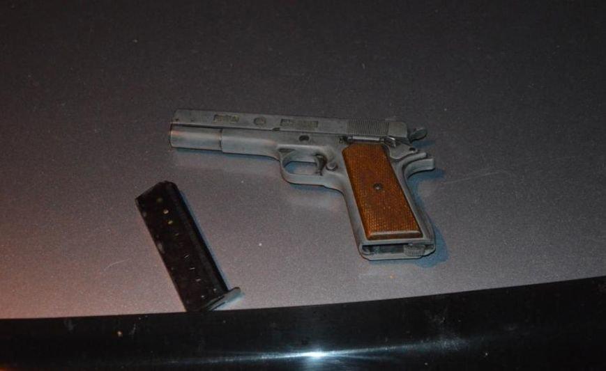 В области остановили автомобиль, в котором перевозили оружие (фото), фото-1