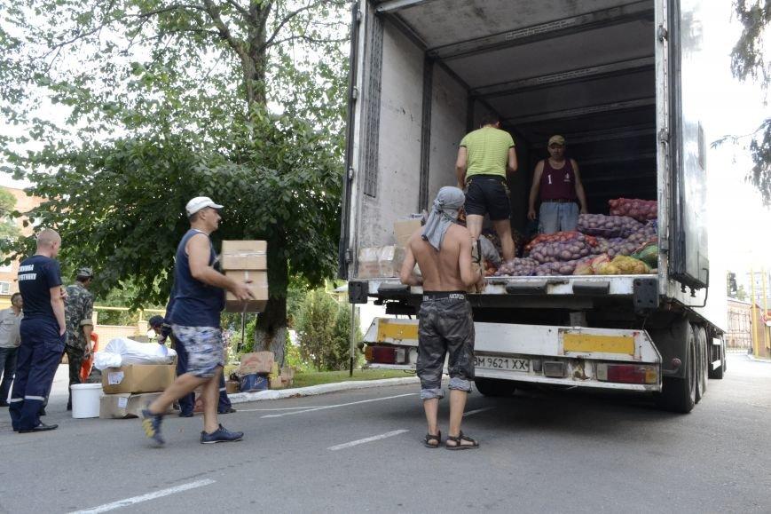 20 тонн гуманітарної допомоги від рятувальників ДСНС України отримали мешканці Сходу в районі проведення АТО, фото-3