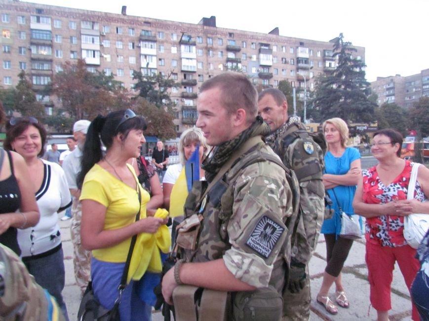 В Мариуполе на митинге за мир пели гимн Украины, молились и записывались в «живой щит» (ДОПОЛНЕНО+ФОТО+ВИДЕО), фото-38