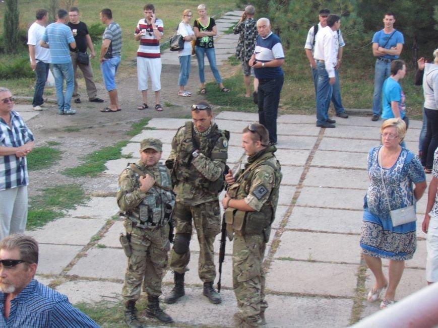 В Мариуполе на митинге за мир пели гимн Украины, молились и записывались в «живой щит» (ДОПОЛНЕНО+ФОТО+ВИДЕО), фото-27