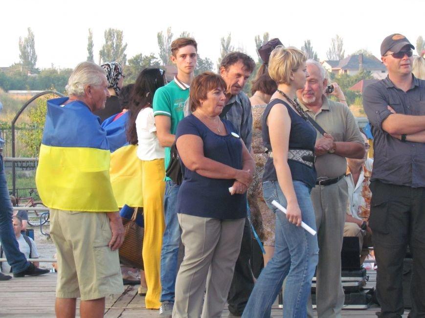 В Мариуполе на митинге за мир пели гимн Украины, молились и записывались в «живой щит» (ДОПОЛНЕНО+ФОТО+ВИДЕО), фото-25