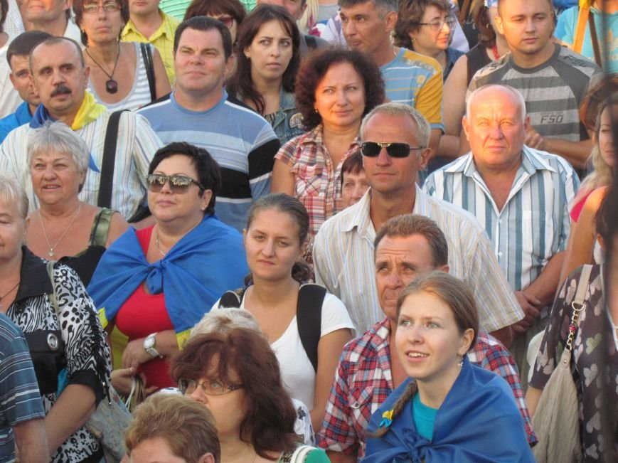 В Мариуполе на митинге за мир пели гимн Украины, молились и записывались в «живой щит» (ДОПОЛНЕНО+ФОТО+ВИДЕО), фото-16