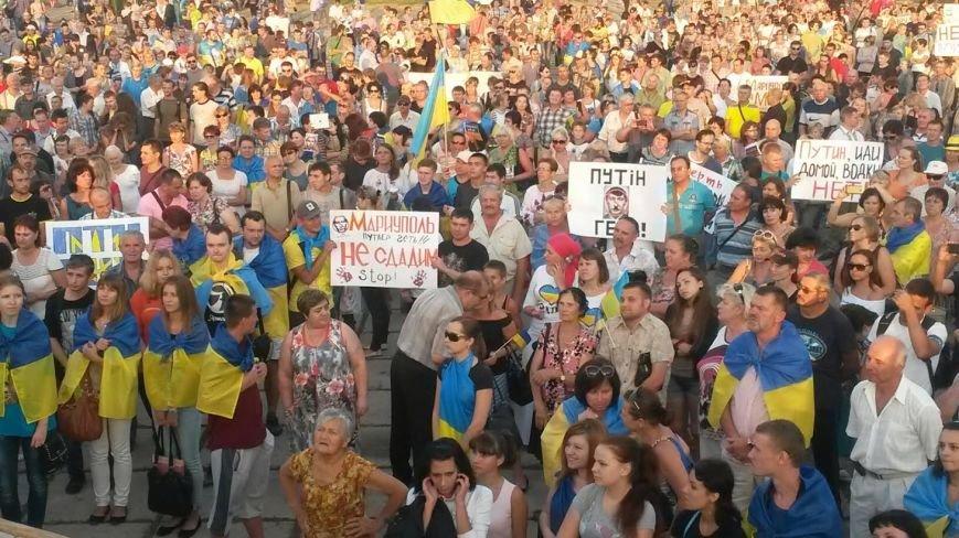 В Мариуполе на митинге за мир пели гимн Украины, молились и записывались в «живой щит» (ДОПОЛНЕНО+ФОТО+ВИДЕО), фото-49