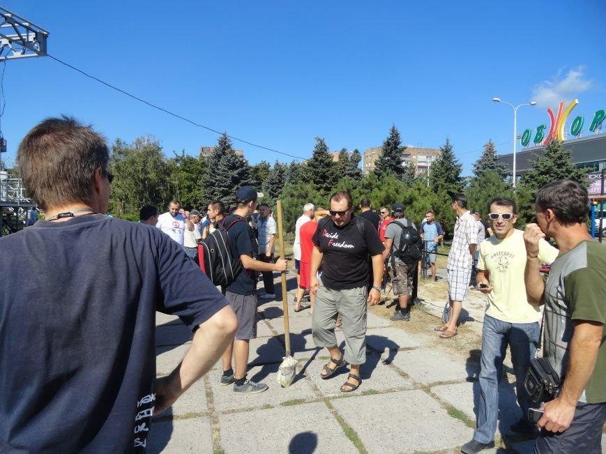 Мариупольцы роют окопы, чтобы в город не вошли российские военные (ФОТО), фото-1