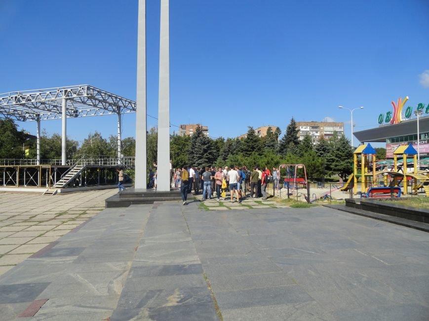 Мариупольцы роют окопы, чтобы в город не вошли российские военные (ФОТО), фото-2