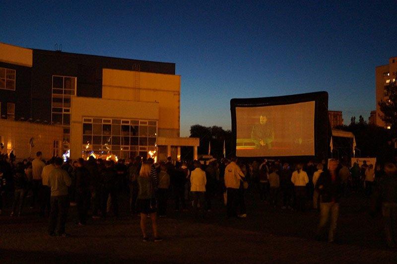 Несколько сотен белгородцев пришли посмотреть фильм «Поддубный» под открытым небом, фото-1