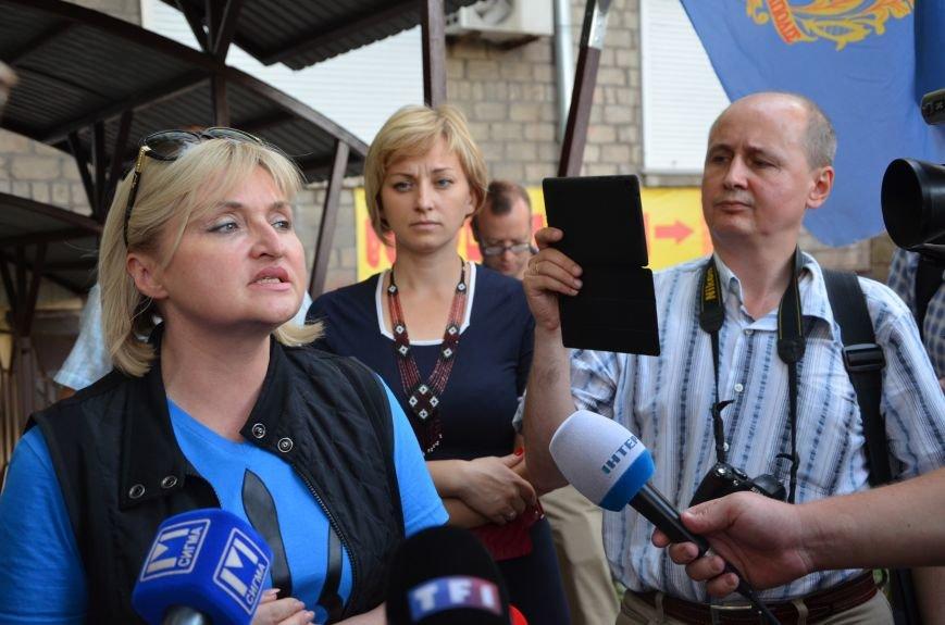 В Мариуполь прибыла уполномоченный президента Украины по мирному урегулированию конфликта на Востоке Ирина Геращенко (ФОТО), фото-2