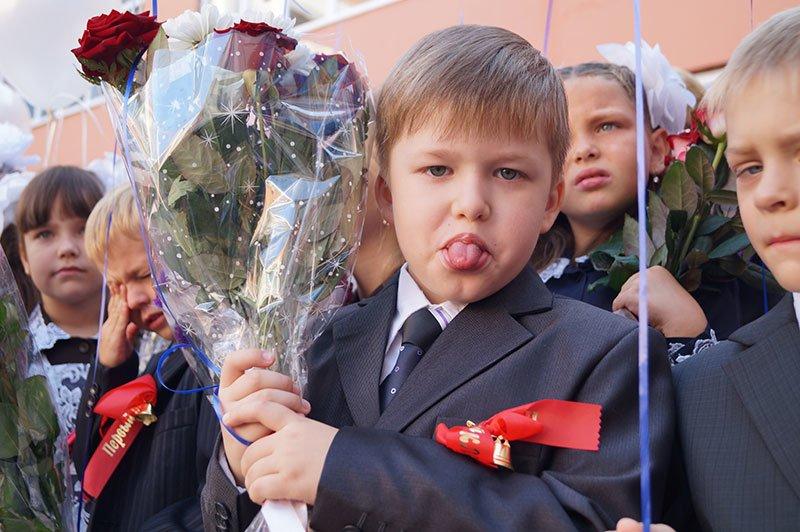 День знаний в Белгороде: В 45-ю школу пришли учиться 147 первоклассников и появился класс с буквой «Е», фото-1
